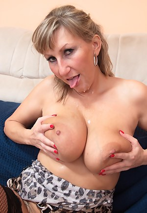 Cum on Moms Face Porn Pictures