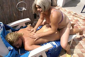 Moms Massage Porn Pictures