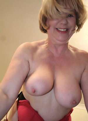 Moms Natural Tits Porn Pictures