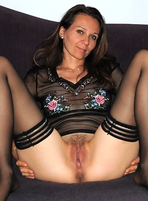 Moms Spreading Porn Pictures