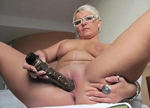 Mature Moms Porn Pictures